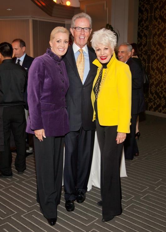 Donna Bunce with Tracy and Roger Kirwan - Steve Dawson IMG_7498